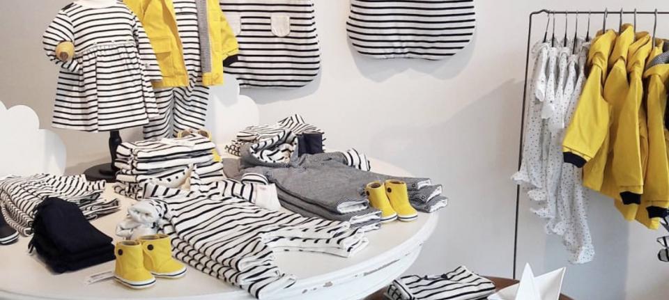 Petit Bateau blue stripes yellow pyjama regenjas