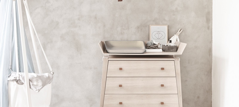 Leander cradle dresser and matty